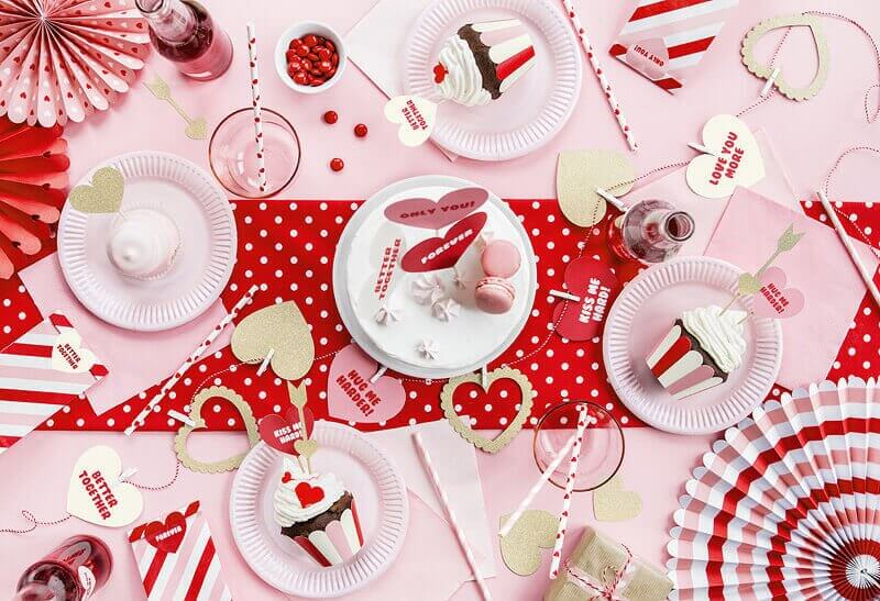 Décoration table de fête de saint valentin