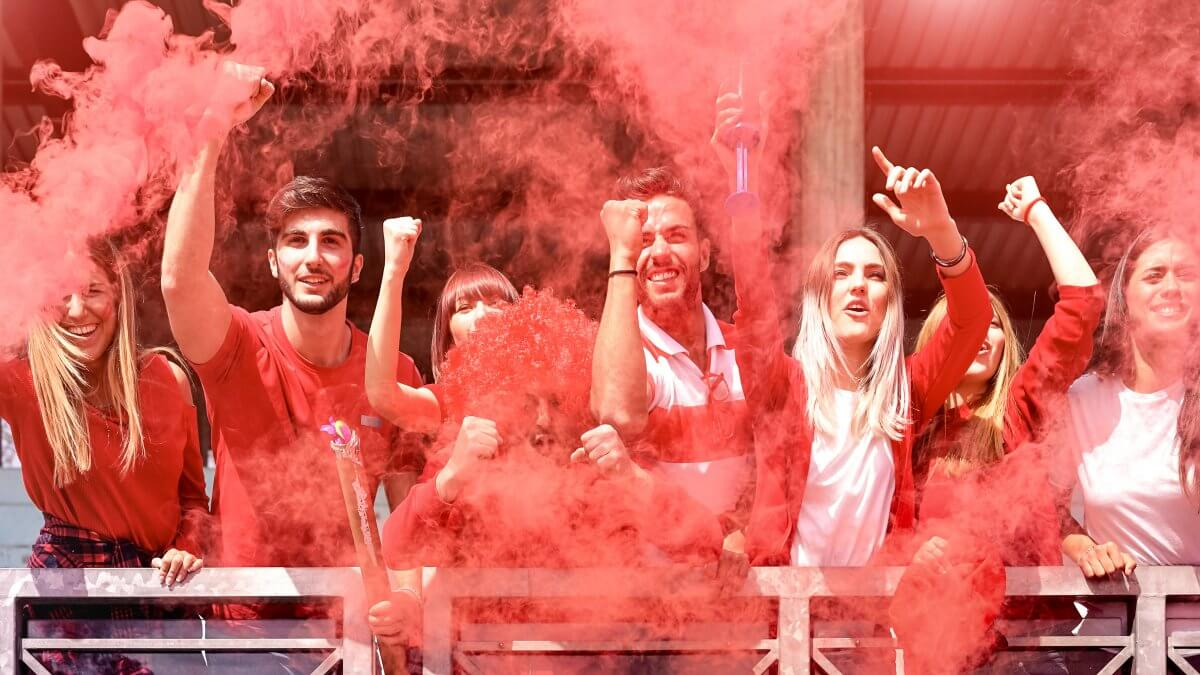Fumigène rouge pour supporters