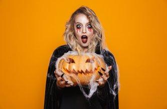 femme citrouille halloween